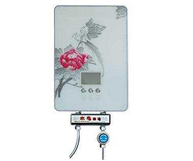 不像传统贮水式电热水器使用前须烧热整桶60升或80升水,造成时间和